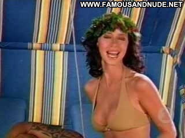 Jennifer Love Hewitt No Source Cleavage Big Tits Celebrity Breasts