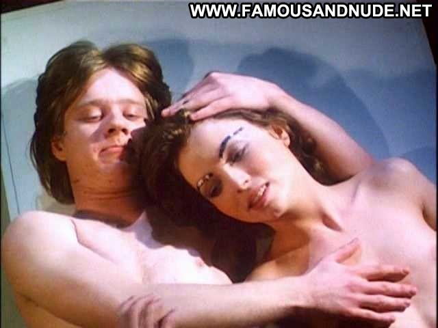 Glory Annen Spaced Out Kissing Topless Nude Scene Celebrity