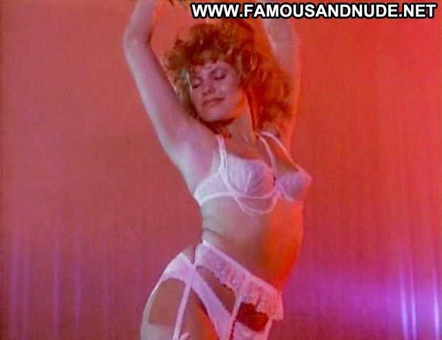 Cynthia Belliveau Loose Screws Celebrity Stage Breasts Bra Dancing