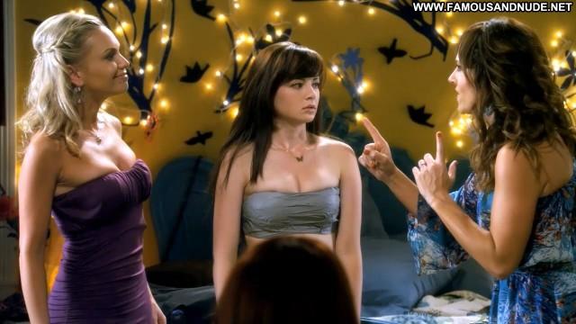 Ashley Rickards Awkward Breasts Cleavage Big Tits Celebrity