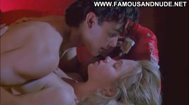 Christina Applegate Streets Sofa Sex Kissing Gorgeous Famous Posing
