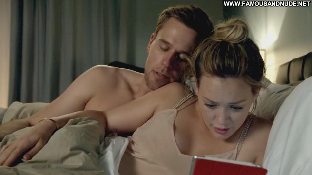 Hilary Duff Younger Bed Famous Actress Celebrity Babe Doll Posing Hot