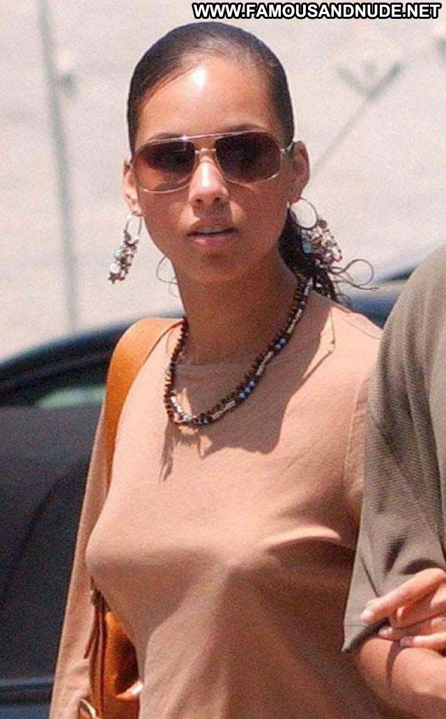 Alicia Keys Babe Famous Singer Posing Hot Celebrity Ebony Celebrity