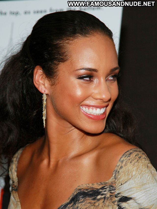 Alicia Keys No Source Famous Ebony Celebrity Posing Hot Babe Singer