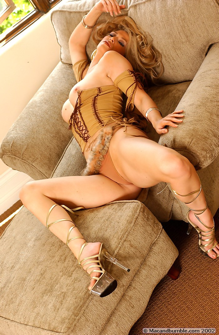 Amber Smith Celebrity Posing Hot Celebrity Nude Famous ...