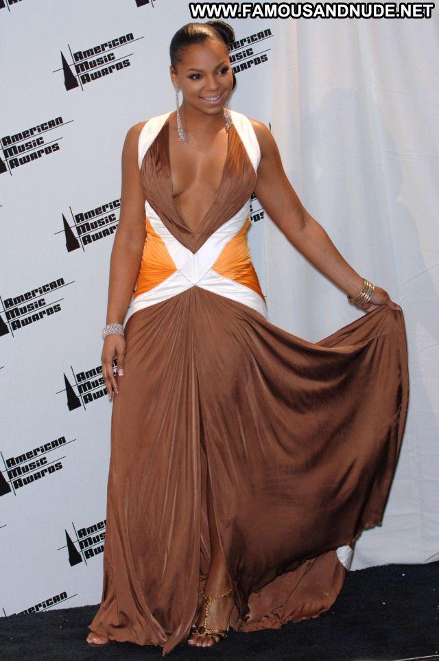 Ashanti No Source Famous Babe Hot Ebony Posing Hot Cute Celebrity