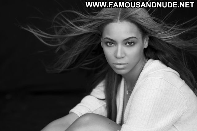 Beyonce Knowles Famous Posing Hot Babe Ebony Cute Singer Celebrity