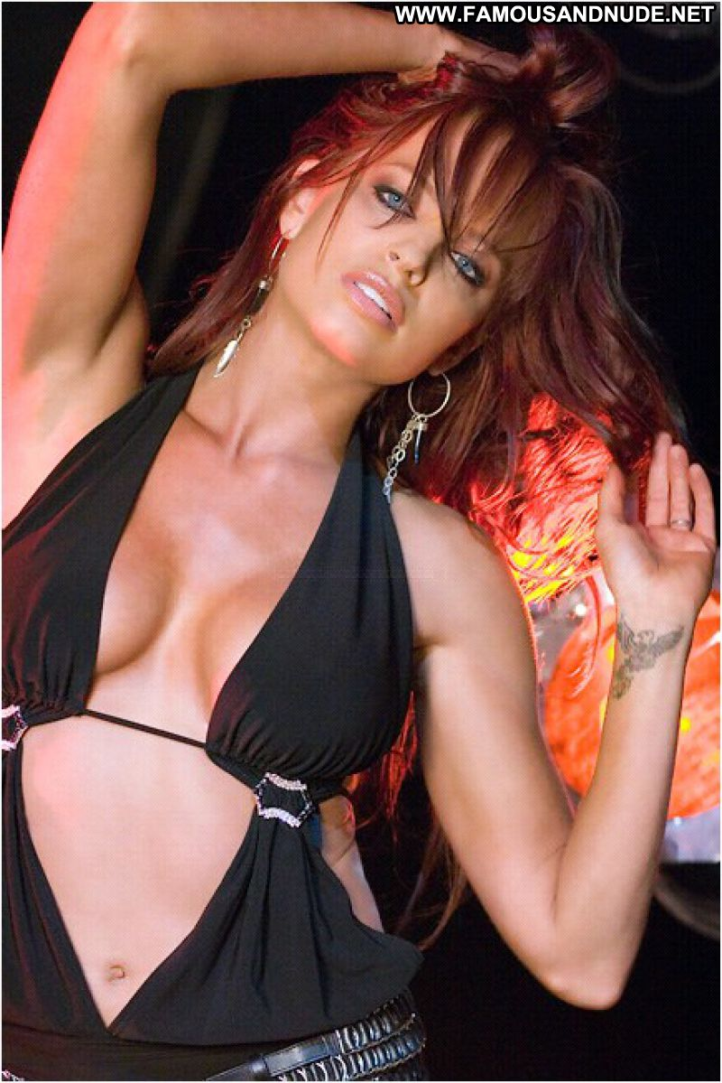 ... Celebrity Redhead Famous Posing Hot Cute Blue Eyes Athletic Hot Tits