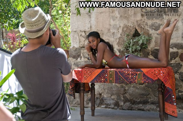 Damaris Lewis No Source Hot Babe Ebony Cute Famous Bikini Posing Hot