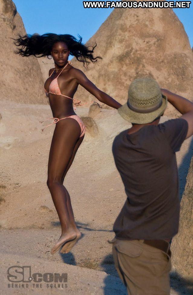 Damaris Lewis No Source  Athletic Celebrity Posing Hot Babe Bikini
