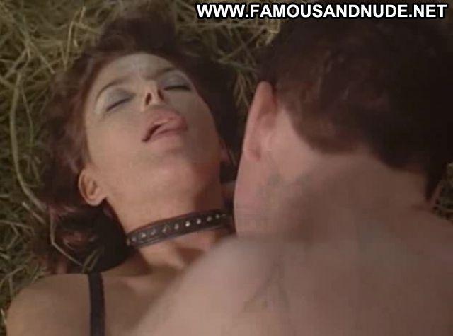 Kari Wuhrer Hot Sex Scene 18
