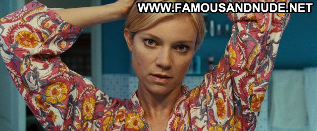 Amy Smart No Source Famous Posing Hot Sexy Scene Sexy Nude