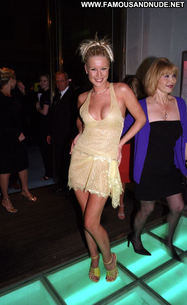 Denise Van Outen No Source Blonde Big Tits Hot Cute Famous Tits