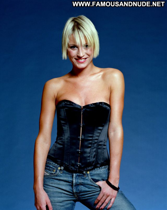 Denise Van Outen Famous Celebrity Hot Babe Blonde Tits Posing Hot