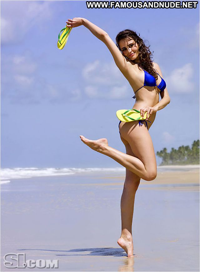 Fernanda Tavares No Source Showing Tits Famous Posing Hot Posing Hot
