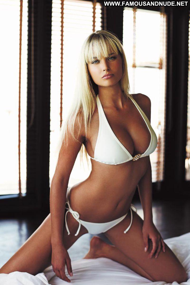 Genevieve Morton No Source Celebrity Beautiful Babe Posing