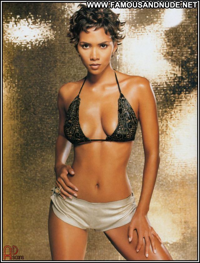 Halle Berry No Source Hot Lingerie Famous Posing Hot Babe Celebrity