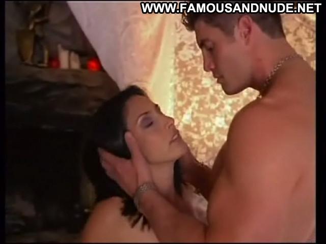 Catalina Larranaga Thrills Video Vixen Sultry Brunette Medium Tits