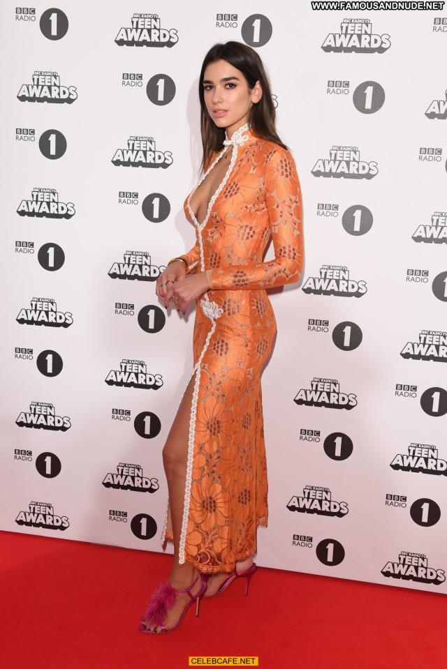Dua Lipa No Source Beautiful Awards London Posing Hot Teen Babe