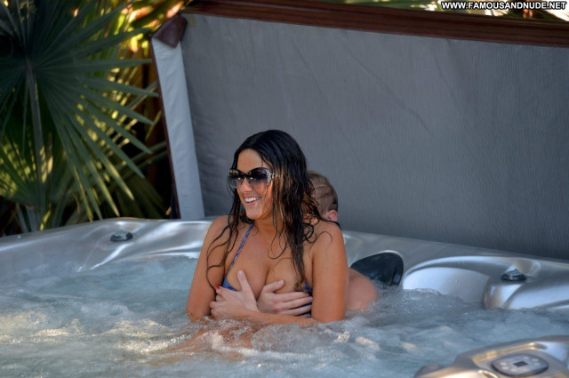 Claudia Romani The Italy Hot Beautiful Photoshoot Sex Bikini Posing