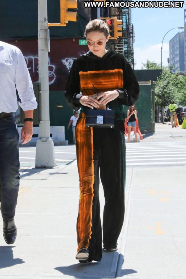 Gigi Hadid No Source  Celebrity Paparazzi Babe Nyc Posing Hot