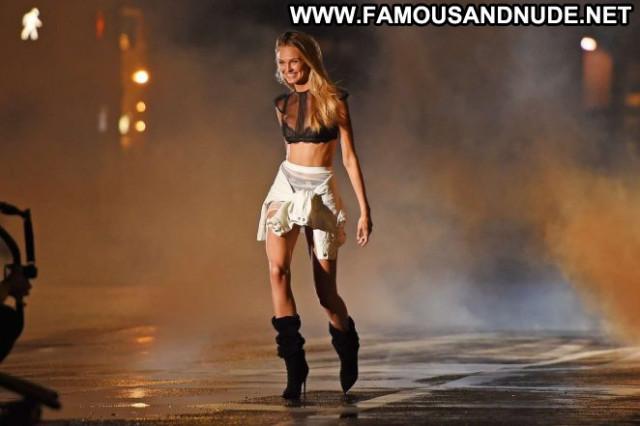 Victoria No Source Babe Celebrity Posing Hot Beautiful Paparazzi Angel