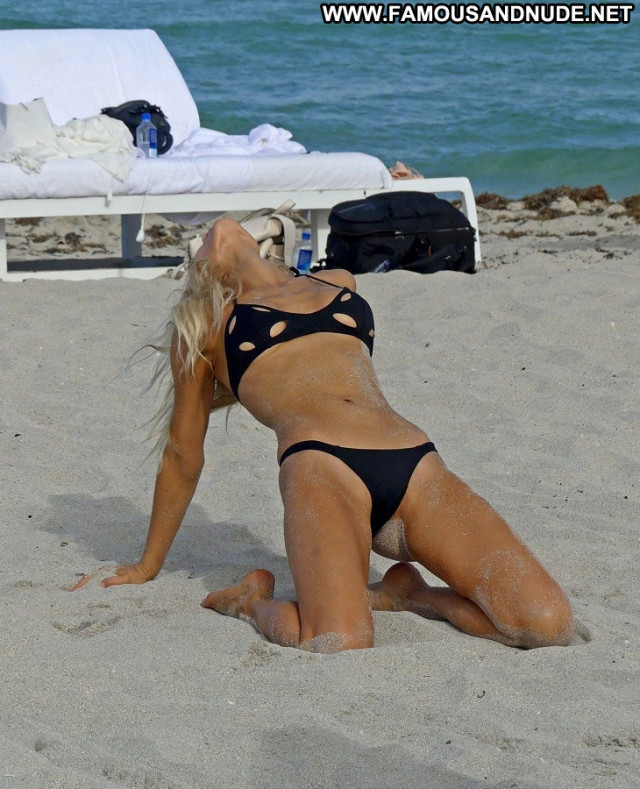 Sports Illustrated Sports Illustrated Toples Hot Beach Candids