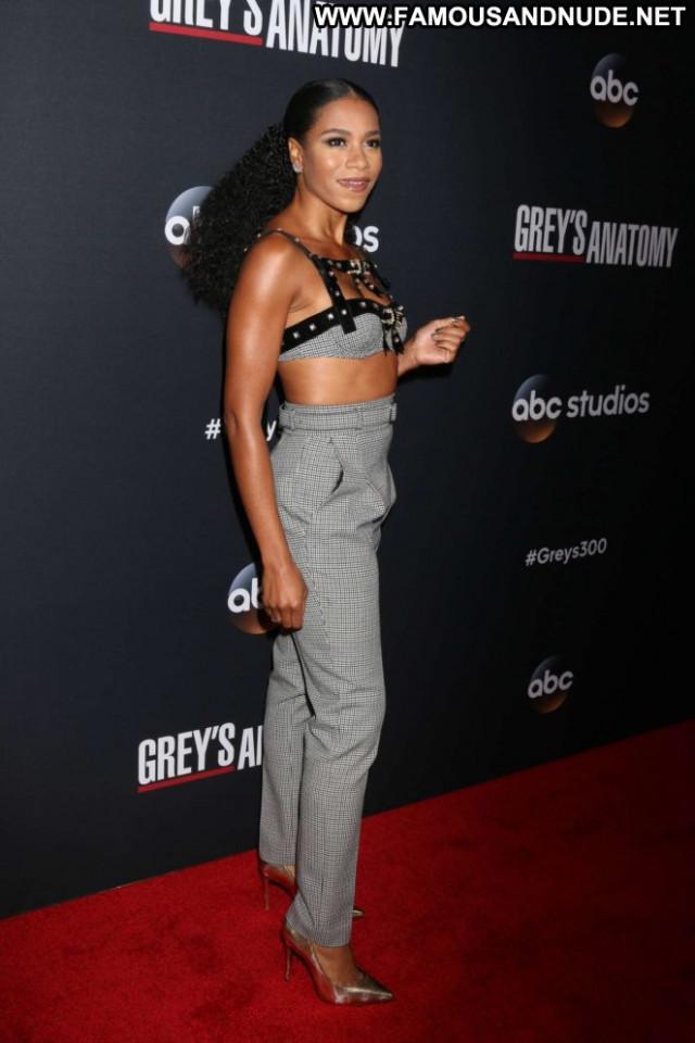 Kelly Mccreary No Source Beautiful Posing Hot Babe Paparazzi Celebrity