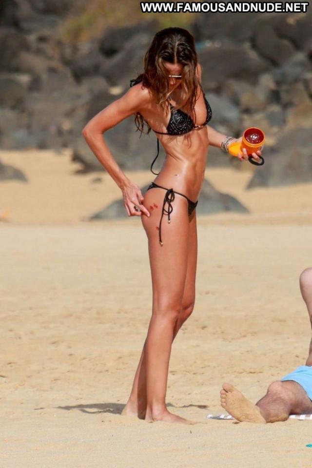 Izabel Goulart No Source  Babe Bikini Beautiful Celebrity Beach