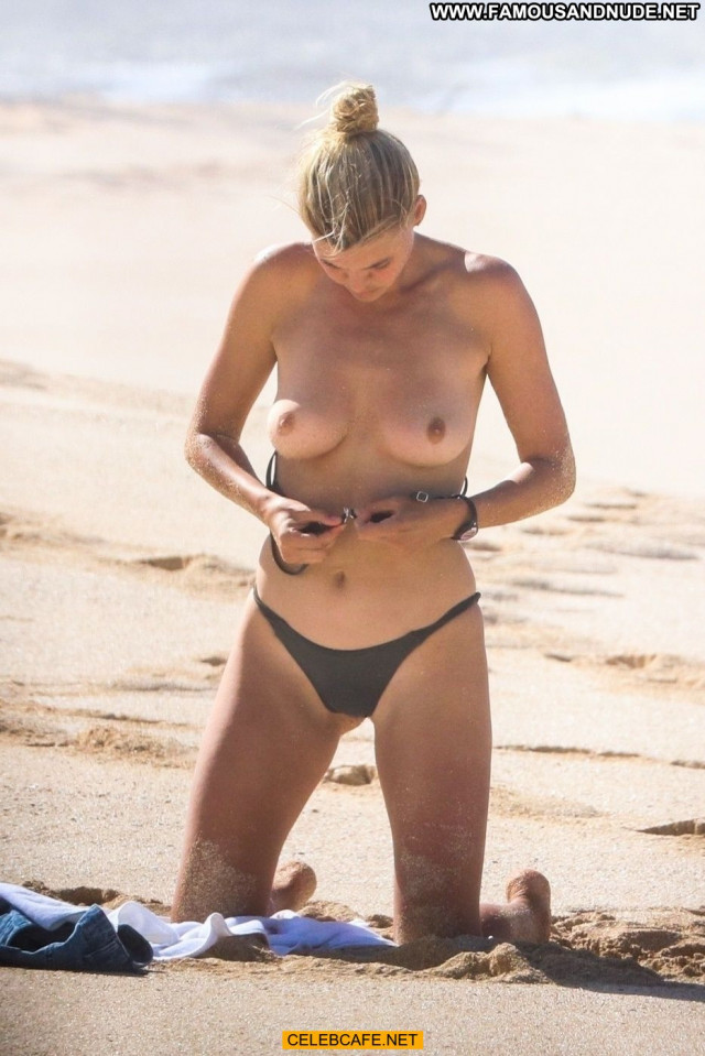 Kelly Rohrbach No Source Beach Paparazzi Toples Celebrity Topless