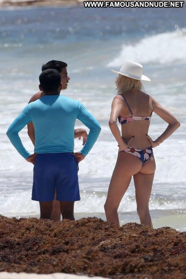 Devon Windsor The Beach Bikini Celebrity Beach Paparazzi Posing Hot