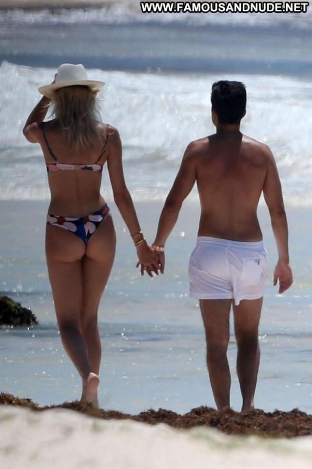 Devon Windsor The Beach Beach Babe Paparazzi Celebrity Bikini