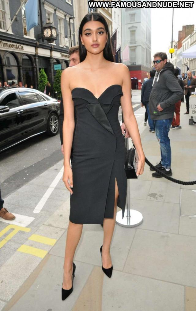 Neelam Gil No Source Posing Hot London Babe Paparazzi Beautiful