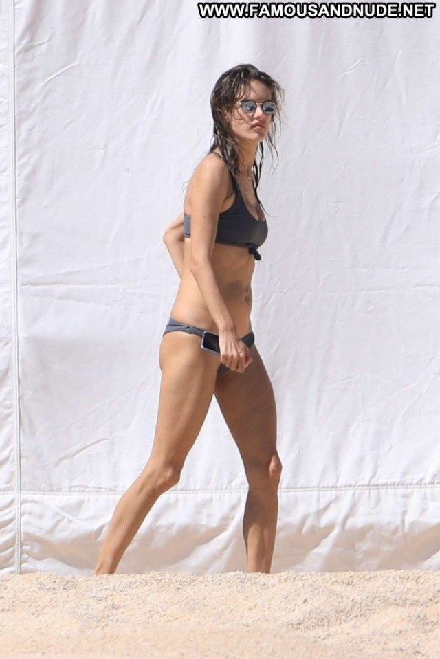 Less The Beach Celebrity Paparazzi Bikini Beautiful Beach Babe Posing