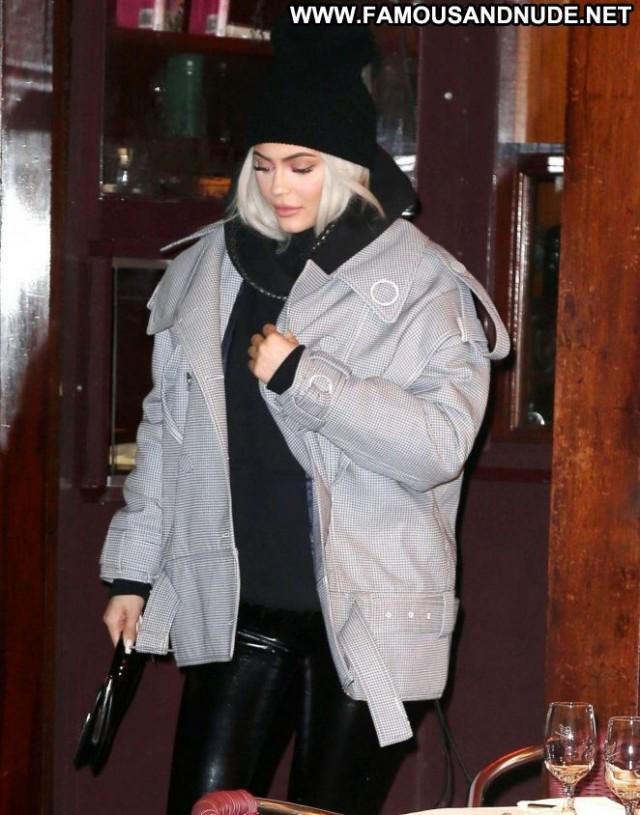 Kylie Jenner New York Celebrity Posing Hot New York Babe Paparazzi