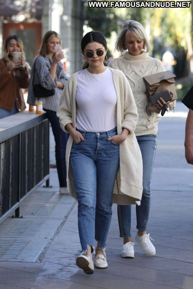 Selena Gomez Los Angeles Paparazzi Posing Hot Celebrity Babe Angel