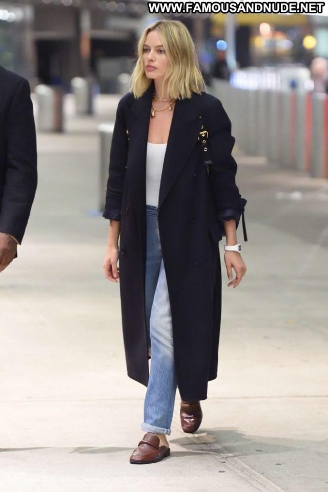 Margot Robbie Jfk Airport In Nyc Babe Paparazzi Beautiful Celebrity