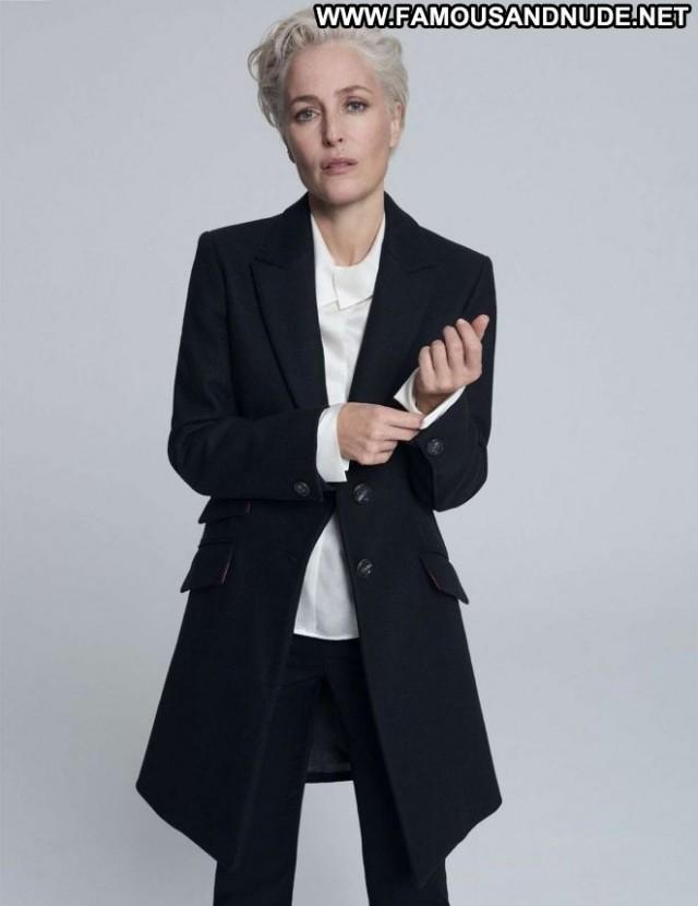 Gillian Anderson No Source Posing Hot Celebrity Paparazzi Beautiful