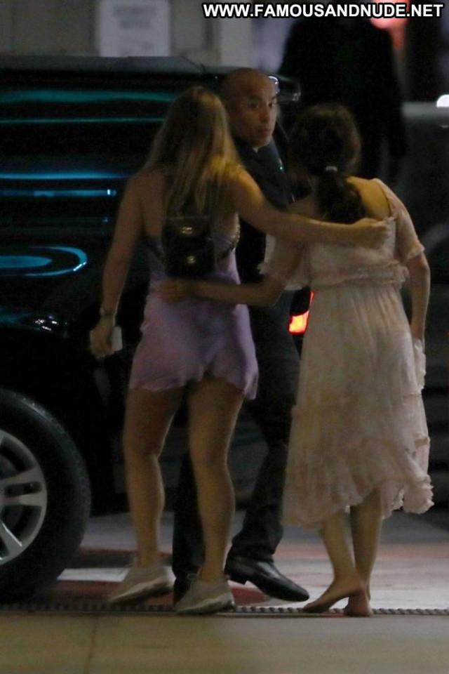 Selena Gome No Source Beautiful Paparazzi Orange Posing Hot Celebrity