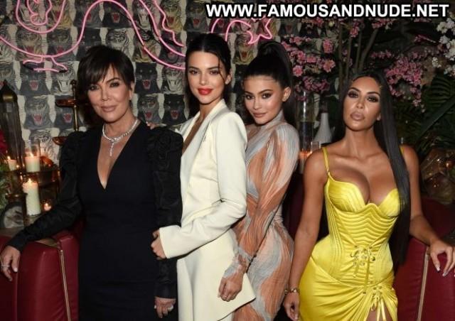 Kris Jenner No Source Paparazzi Celebrity Beautiful Babe Posing Hot