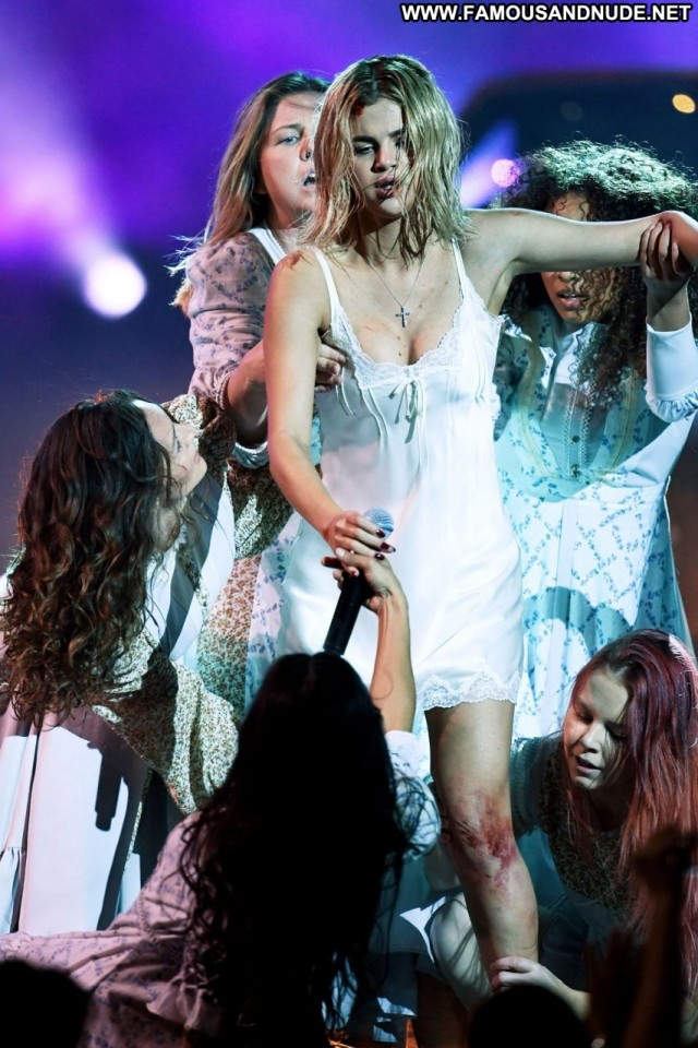 Selena Gomez American Music Awards Posing Hot Awards Beautiful Babe