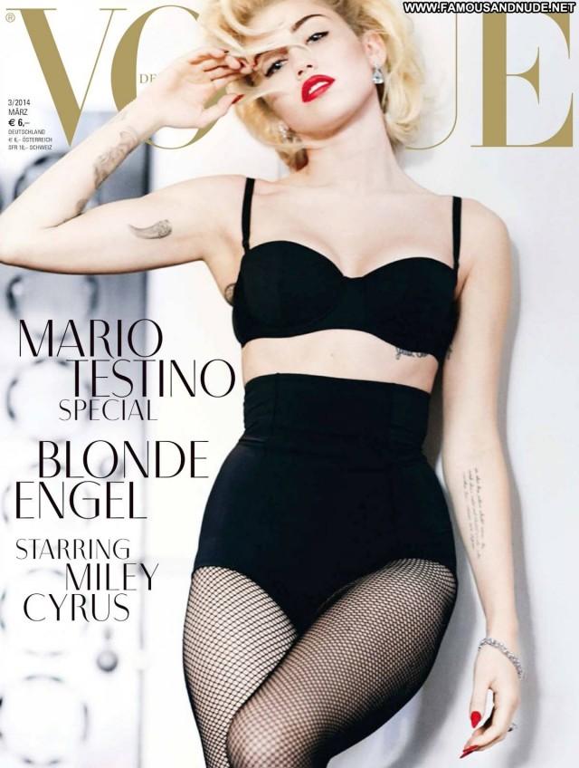 Miley Cyrus Magazine Nude Blonde Celebrity Fashion Singer