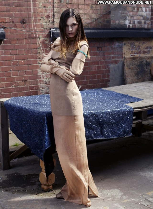 Anna Brewster S Magazine Fall Posing Hot Celebrity