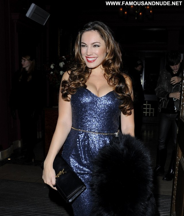 Kelly Brook No Source  Birthday Babe Beautiful Posing Hot Celebrity