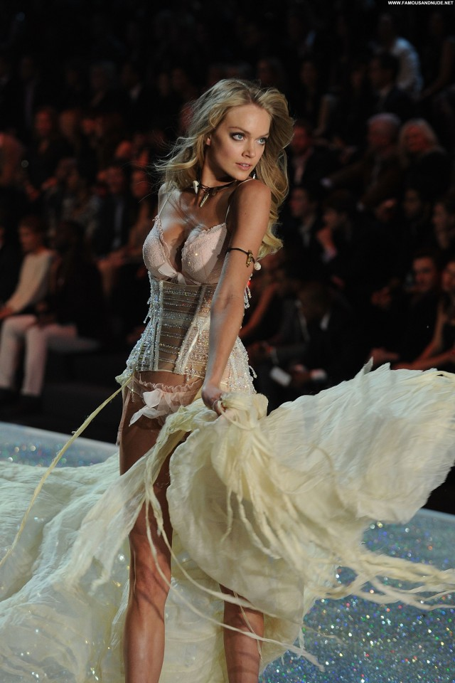 Lindsay Ellingson Fashion Show Beautiful Posing Hot Fashion High