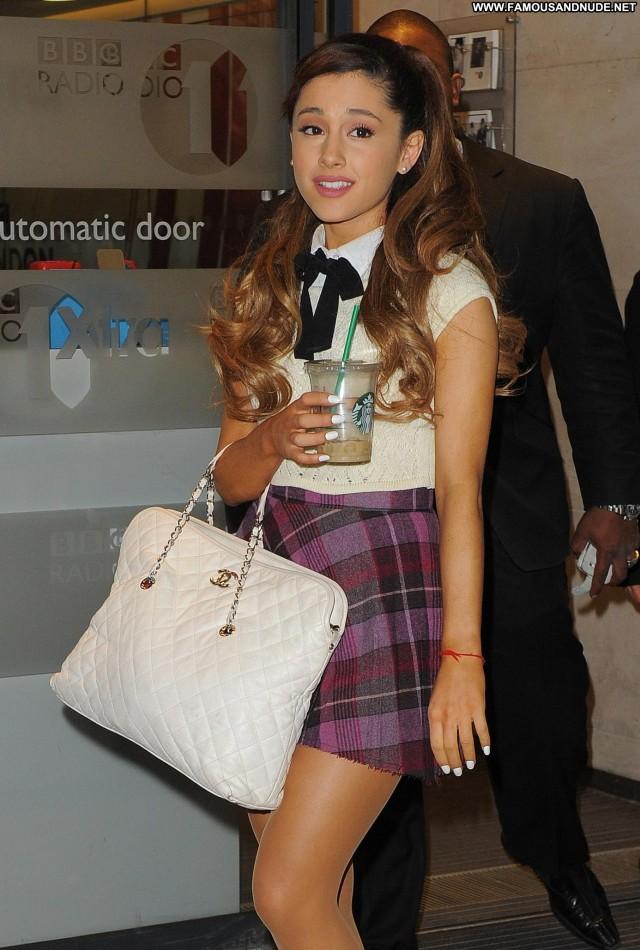 Ariana Grande No Source Beautiful Celebrity Posing Hot Babe Candids