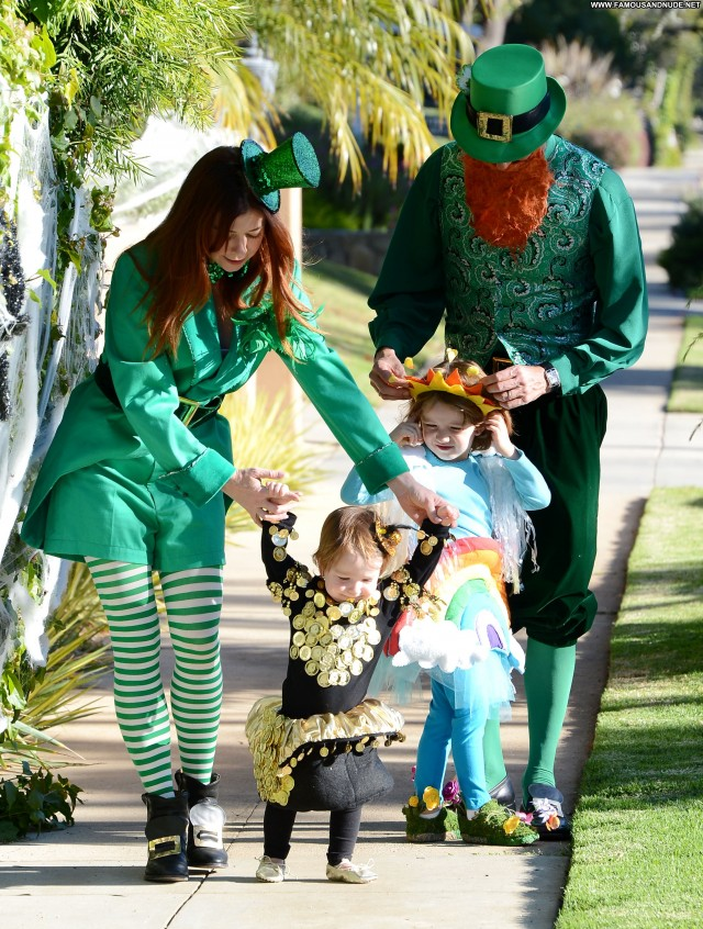 Alyson Hannigan Halloween  High Resolution Candids Babe Posing Hot