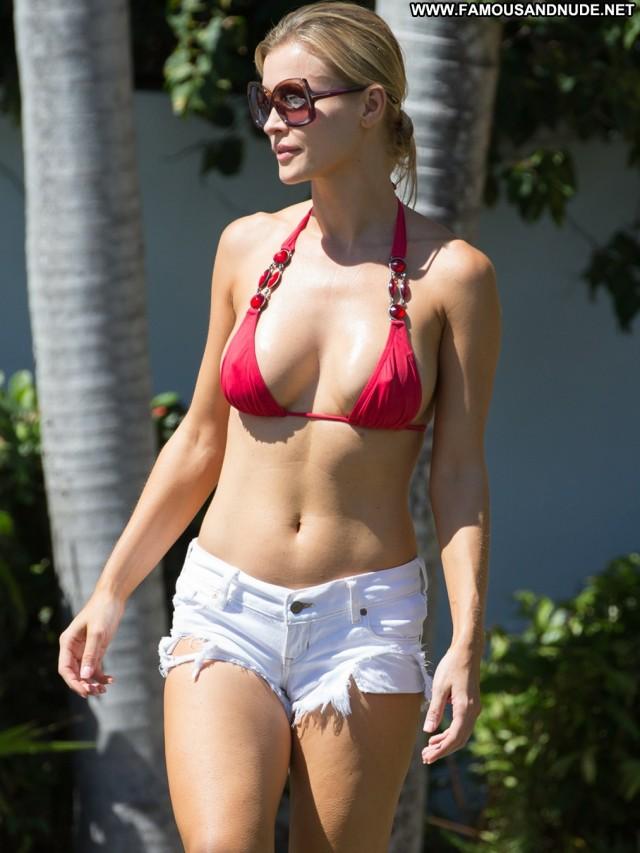 Joanna Krupa No Source Beautiful Celebrity High Resolution Posing Hot