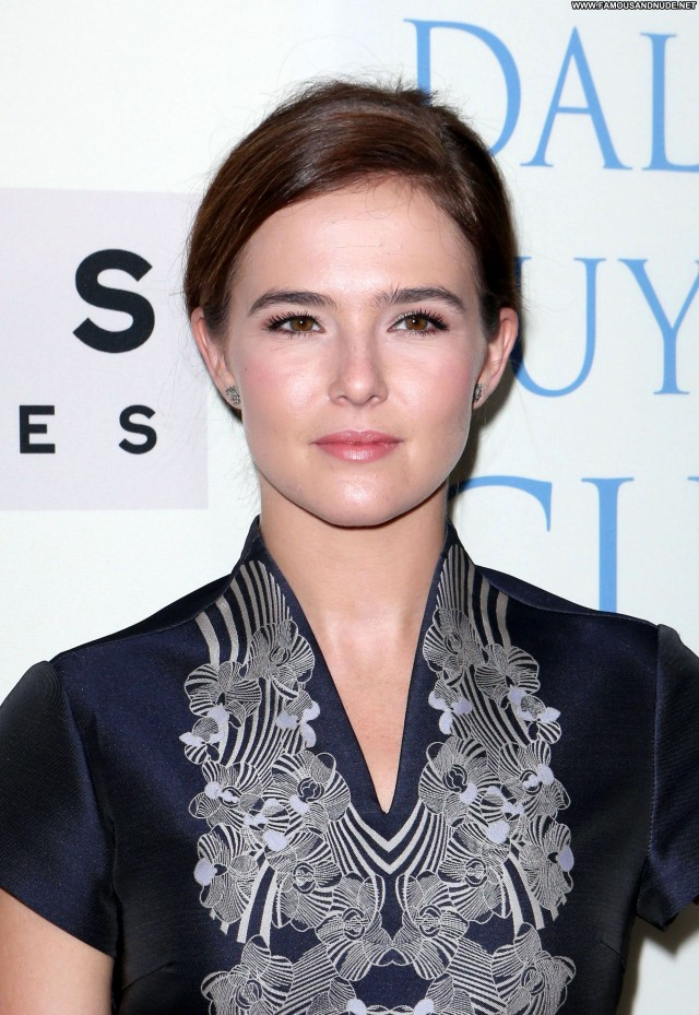 Zoey Deutch Los Angeles Celebrity Babe Hollywood Beautiful Posing Hot