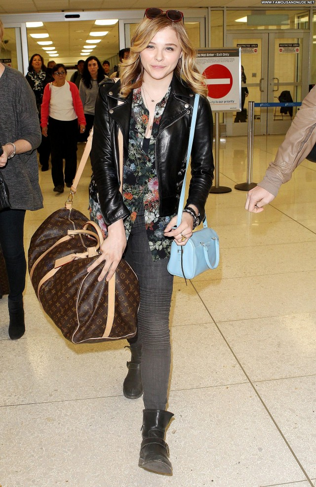 Chl  E Moretz Lax Airport Lax Airport Babe Posing Hot Celebrity
